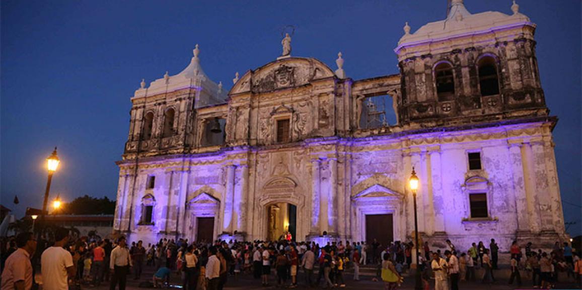 Leoneses realizan la celebración de la Gritería chiquita